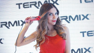 melissa-jimenez-presenta-la-nueva-plancha-de-pelo-230-passion-red-de-termix