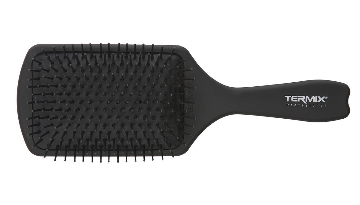 raqueta-profesional-de-termix-uno-de-tus-mejores-aliados-para-desenredar-el-cabello