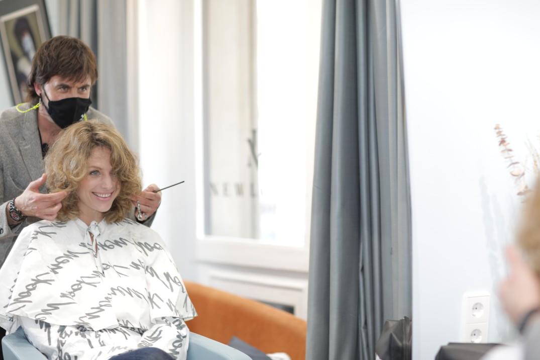 Corte de pelo rizado en New Look