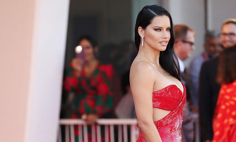 Adriana Lima en el Festival de Venecia 2021