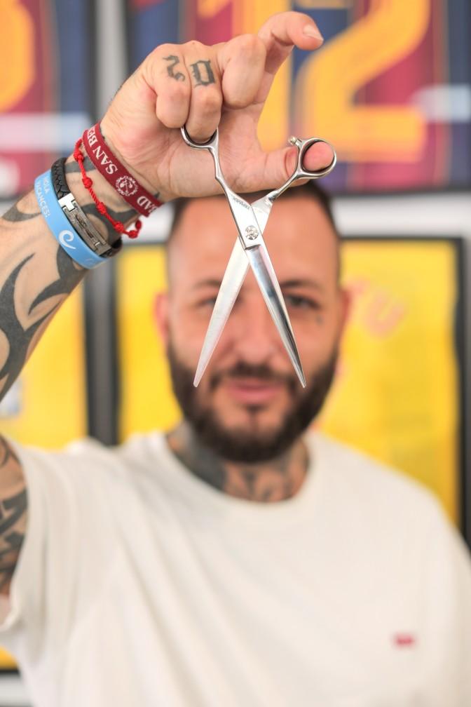 Christian Maez con la tijera de Termix