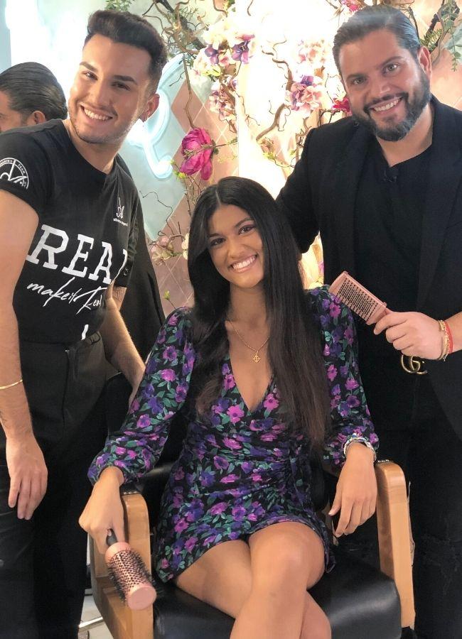 Alberto Dugarte con modelo peinado con cepillos Termix Gold Rose cabello rizado brushing liso y ondulado