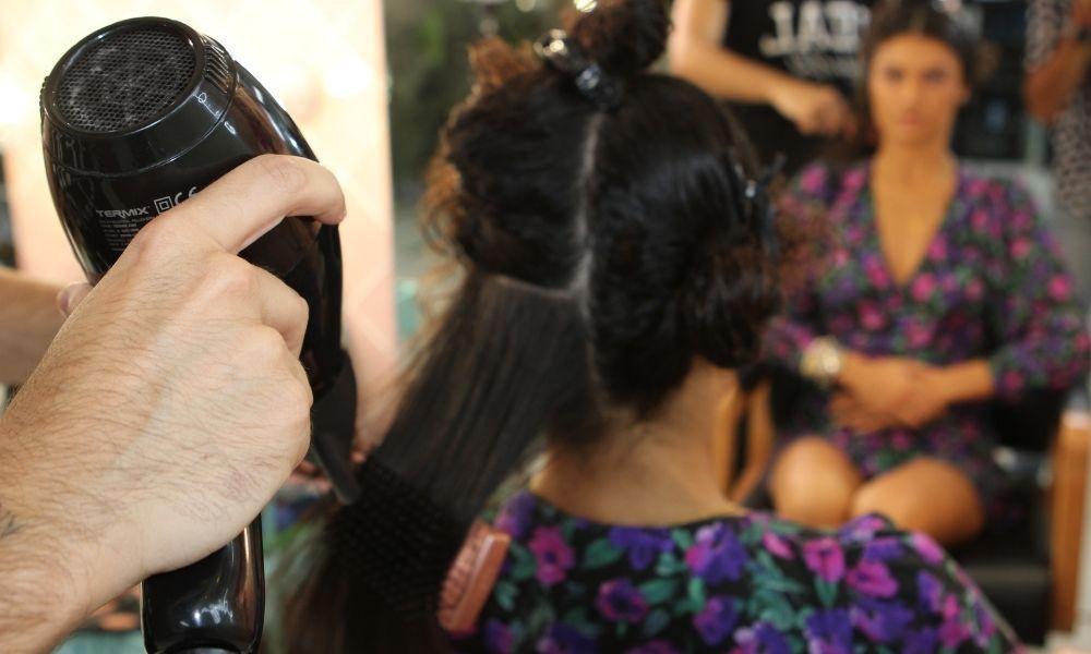 Cepillo plano térmico Termix Gold Rose peinado cabello rizado con secador