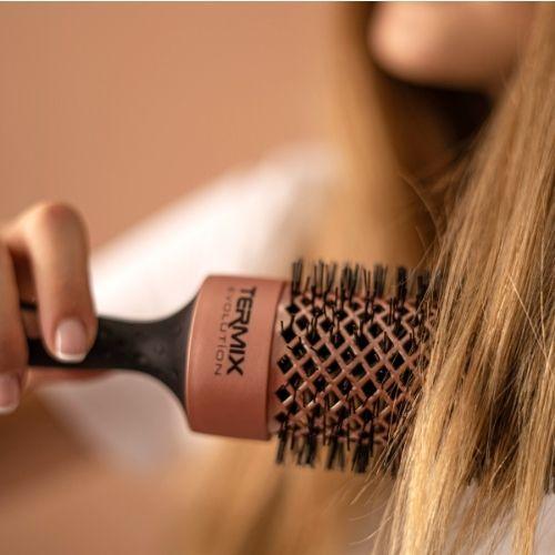 El Brushing perfecto con los cepillos Termix Evolution Gold Rose